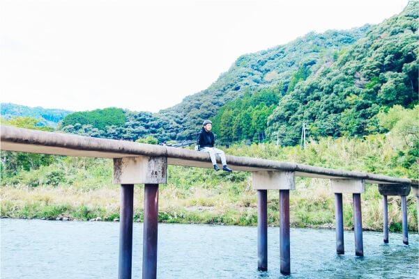 スマホ用明神の潜水橋の画像
